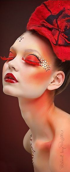 Love these dramatic red lashes #AwesomeEyes