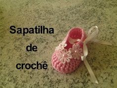 Gya Miyar shared a video Booties Crochet, Crochet Baby Shoes, Crochet Baby Clothes, Crochet Slippers, Baby Knitting Patterns, Baby Shoes Pattern, Baby Sandals, Baby Boots, Crochet For Kids