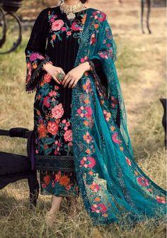 Velvet Pakistani Dress, Pakistani Salwar Kameez, Pakistani Dress Design, Pakistani Suits, Punjabi Suits, Pakistani Dresses, Salwar Suits, Designer Wear, Designer Dresses