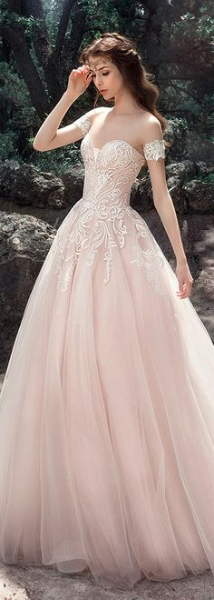 Fashionable Tulle & Satin Sweetheart Neckline A-Line Wedding Dresses With Embroidery
