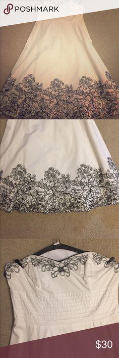 WHBM dress Worn once , beautiful details , strapless sweetheart neck dress White House Black Market Dresses Strapless