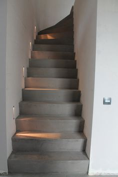 Trapbekleding met Mortex www. Painted Staircases, Stair Lighting, Interior Stairs, House Stairs, Industrial House, Staircase Design, Diy Bedroom Decor, Home Decor, Stairways