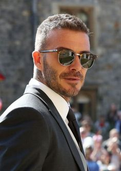 David & Victoria Beckham Attend Their Second Royal Wedding!: Photo David Beckham and Victoria Beckham are one stylish couple while arriving for the Royal Wedding at St. George's Chapel at Windsor Castle on Saturday morning (May… Style David Beckham, David Beckham Haircut, David Beckham Short Hair, David Beckham Beard, David Und Victoria Beckham, Victoria And David, Haircuts For Men, Haircut Men, Short Hairstyles For Men