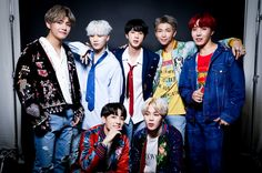 "immagina sui BTS Jin-Suga-J-hope-Rm-Jimin-V-Jungkook Dove sei la ""pro… Fanfiction Bts 2018, Steve Aoki, Jimmy Fallon, Boy Scouts, Bts Official Light Stick, Mic Drop, Fandoms, Entertainment, Billboard Music Awards"