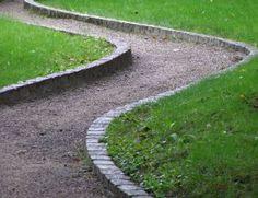 Ako vybudovať v záhrade chodníčky   Záhrada   byvanie.sme.sk