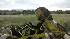 http://www.runningshoesguru.com/2012/07/pearl-izumi-streak-2-review/