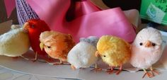 Vintage Easter Chenille Chicks - i see how to make these, they just used the really big chenille pipe cleaners for the bodies and smaller bumpy chenille stems for the beaks and wings. I think they would be cuter with felt embellishments or even some real feather wings!