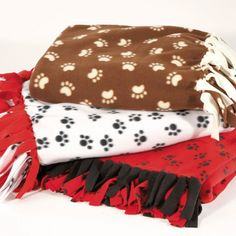 Hollie made Hattie Mae her own blanket.it has red on one side and black dog paw print with white background on the other and fits her bed perfectly! She loves it! No Sew Fleece Blanket, No Sew Blankets, Hattie Mae, Big Teddy Bear, Red Blanket, Diy Scarf, Crafty Projects, Sewing Projects, Dog Recipes