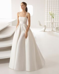 Browse beautiful Rosa Clara wedding dresses and find the perfect gown to suit your bridal style. Big Wedding Dresses, Lace Wedding Dress, Weeding Dress, Wedding Dress Trends, Bridal Dresses, Bridesmaid Gowns, Ball Dresses, Ball Gowns, Wedding Dress Gallery