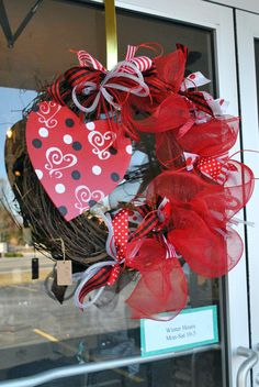 Valentines wreath-obviously what I was aiming towards My Sweet Valentine, Valentines Sweets, Valentine Theme, Valentine Day Wreaths, Valentines Day Decorations, Valentine Crafts, Holiday Wreaths, Holiday Crafts, Christmas Diy