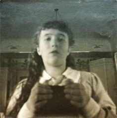 Anastasia Nikolaevna, selfie in a mirror Anastasia Romanov, Familia Romanov, Romanov Sisters, House Of Romanov, Tsar Nicholas Ii, Imperial Russia, History Photos, Beautiful Family, Vintage Photos