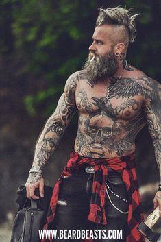 Viking Men, Viking Hair, Beard Styles For Men, Hair And Beard Styles, Viking Beard Styles, Bearded Tattooed Men, Hot Bearded Men, Tattoo Bauch, Tatted Men