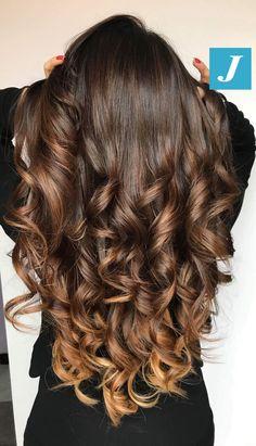 Un haircolour dall'effetto naturale inimitabile? Degradé Joelle! #cdj #degradejoelle #tagliopuntearia #degradé #igers #musthave #hair #hairstyle #haircolour #longhair #ootd #hairfashion #madeinitaly #wellastudionyc
