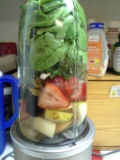 Spinach, kale, strawberries, apple smoithie