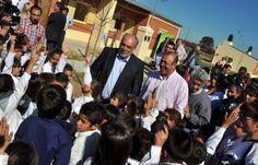 Política de fortalecimiento de los gobiernos locales: Ricardo Colombi encabezó la entrega de diez viviendas en Villa Olivari #VamosParaAdelante