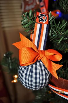 Cute ornament.. although this one has ugly colors ;)  yes it does! would be cute in navy and gold! Go ND!