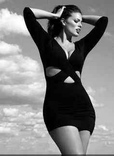 Photography poses women plus size ashley graham 21 ideas Plus Size Bikini Bottoms, Women's Plus Size Swimwear, Curvy Swimwear, Ashley Graham, Corps Parfait, Photography Poses Women, Fitness Photography, Big Girl Fashion, Curvy Fashion
