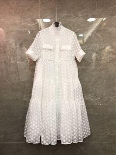 Ucuz 2018 yeni bahar kadın kısa kollu simetrik cep nakış puantiyeli elbise 201, Satın Kalite Elbiseler doğrudan Çin Tedarikçilerden: 2018 yeni bahar kadın kısa kollu simetrik cep nakış puantiyeli elbise 201