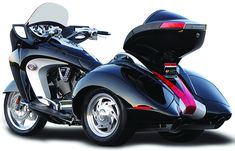 Motorcycle Pictures: Victory Vision Trike 2011