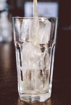 Drinks, Cocktails, Beverages, Bar, Home Bar, Gin, Club Soda, Soda Water, Sugar, Lemon, Clementine, Orange, Cocktail Bar, Ingredients, Strainer, Clemengold Gin, Copper Tools, Tom Collins, Sundowners, Summer Drink, GIF Tom Collins, Wmbw, Cake Videos, Crab Cakes, Bar Accessories, Summer Drinks, Gin, Shot Glass, Orange Cocktail