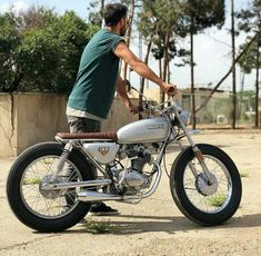 Honda 125 cafe custom