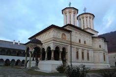 Manastirea Hurezi - si o curiozitate / Hurezi Monastery and a curiosity