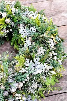 Precious Tips for Outdoor Gardens - Modern Fall Wreaths, Christmas Wreaths, Baptism Table Decorations, Seasonal Decor, Fall Decor, Funeral Tributes, Diy Projects For Beginners, Real Plants, Funeral Flowers