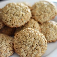 Soft Oatmeal Cookies – Cakes By Aantafel Wow! I loved these cookies and they were super easy to make. These oatmeal cookies are very moist with a good flavor. Add a cup of raisins or nuts if… Cakes By Aantafel Soft Oatmeal Cookies, Oatmeal Cookie Recipes, Raisin Cookies, Chocolate Chip Cookies, Sugar Cookies, Oatmeal Applesauce Cookies, Homemade Oatmeal Cookies, Soft Cookie Recipe, Cookies Soft