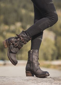 You. Want. These. A pair of over the ankle, motorcycle boots revamped in Mad Max style and serious comfort. #ad