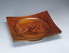 Square vessel of zelkova wood. KAWAKITA Ryozo THE 54th JAPAN TRADITIONAL ART CRAFTS EXHIBITION 00549 2007