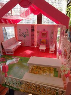 Barbie's foldable villa | Flickr - Photo Sharing!