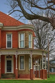 Old Houses, Nice Houses, Farm Houses, House 4 Sale, Low Maintenance Yard, Amazing Buildings, Historical Architecture, Classic House, Victorian Architecture