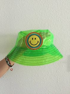 Yea bucket hats are everywhere but do are they this rad? Perfect to stay dry in style this fall! Aesthetic Indie, Aesthetic Fashion, Aesthetic Clothes, Gray Aesthetic, Indie Outfits, Fashion Outfits, Fashion Tips, 80s Fashion, Korean Fashion