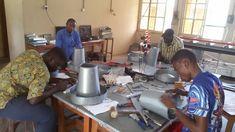 Eine Ausbildung in handwerklichen Berufen gab es bislang in Nigeria nicht. Seit einigen Jahren zeigt die Ausbildungsstätte in Calabar große Erfolge. In  einer von HIFA gebauten und unterstützten Lehrwerkstätte können Jugendliche Berufe in Metall- und Holzverarbeitung, KFZ, Schlosserei, Spenglerei, Elektronik und Elektrotechnik erlernen. Dies alles geschieht nach österreichischem Vorbild! Doch gibt es noch viel an der Lehrwerkstätte zu tun.   Bitte unterstützen Sie das Projekt: Vacuums, Home Appliances, Training, Electrical Engineering, House Appliances, Coaching, Vacuum Cleaners, Appliances