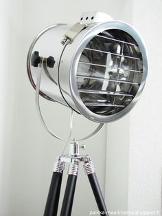 Studio lamp Studio Lamp, Studio Ideas, Spas, Lamps, Decorating, Lightbulbs, Decor, Decoration, Decorations