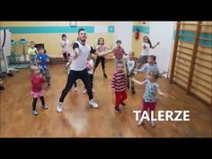 Sinfonia Inconlusa En la mar ZUMBA KIDS Paweł Milhausen - YouTube Music For Kids, Art For Kids, Zumba Kids, Hit The Button, Early Childhood, Cool Kids, Kindergarten, Classroom, Songs