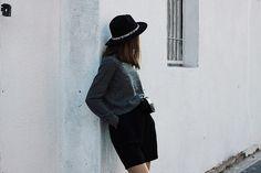 So in Carmel / Grey cashmere sweater //  #Fashion, #FashionBlog, #FashionBlogger, #Ootd, #OutfitOfTheDay, #Style