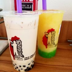 #Repost @mommabobame It looks like the guy is golfing @bubblerepublicla but really does the cup matter? Kinda because the last picture was too boring!  this place!  #bubbletea #mommabobame #bobamilktea #boba #milktea #tea #slushie #bobalife #calikid #california #instagood #instaboba #instatea #green #vegan #sgv #greenmilktea #bubblemilktea #greentea #jelly