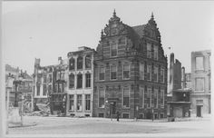 In het Goudkantoor was het Scheepvaartmuseum gevestigd. Men was bang dat het monumentale pand beschadigd zou raken tijdens de gevechten en daarom werd op 14/15 april 1945 een groot deel van de collectie van het museum verhuisd naar café De Unie, aan de noordzijde van de Grote Markt. Het Goudkantoor bleef gespaard, maar De Unie brandde tot op de grond toe af. Lees meer over de bevrijding van Groningen op: http://www.deverhalenvangroningen.nl/alle-verhalen/de-bevrijding-van-groningen