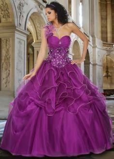 Maravillosos vestidos de 15 años para fiestas de distintos colores