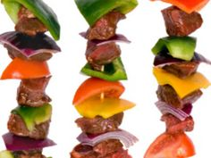 Shish kabobs do's and don'ts. Kabob Recipes, Gourmet Recipes, Camping Recipes, Grilling Recipes, Shishkabobs Recipe, Pork Kabobs, Veggie Kabobs, Kinds Of Steak, Recipes
