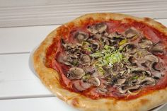 Torty od Lorny - Kváskovanie - Kvásková pizza ako z pizzérie Vegetable Pizza, Bread, Vegetables, Food, Brot, Essen, Vegetable Recipes, Baking, Meals