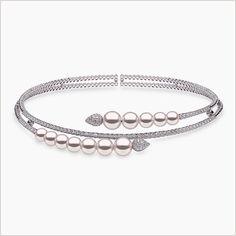 Pearl Type: South Sea pearls Pearl Origin: Australia Pearl Grade: AA Pearl Size: Metal: White Gold Diamond Clarity: VS Diamond Colour: G Diamond Weight: Jewelry Design Earrings, Pearl Jewelry, Jewelery, Metal Jewellery, Diamond Bangle, Diamond Jewelry, Simple Bracelets, Bangle Bracelets, Diamond Mangalsutra