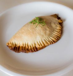 The Tasty Medieval Pasty Medieval Recipes, Ancient Recipes, Midevil Food, Colonial Recipe, Pub Food, Irish Recipes, World Recipes, Vintage Recipes, Street Food