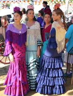 Yellow Headboard, Anniversary Dress, Mode Simple, Flamenco Dancers, Bridesmaid Dresses, Wedding Dresses, Fashion Story, Traditional Dresses, Beautiful Dresses