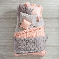 Modern Chic Bedding (Pink) | The Land of Nod