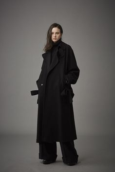 LOOK | 2015-16 FW LOOK BOOK | YOHJI YAMAMOTO + NOIR | COLLECTION | WWD JAPAN.COM