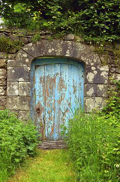 Now I wonder where this lovely door leads... enchanting!
