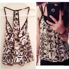 Host PickYellow  and black pattern top Sure cute and chiffon Na Tops