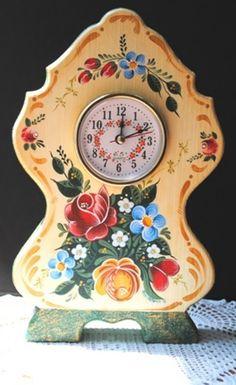 https://flic.kr/p/d9HFGv | Austrian Style | Bauernmalerei clock